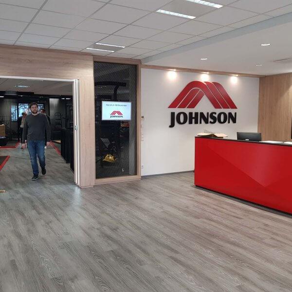 johnson_health_tech_showroom_2018_03